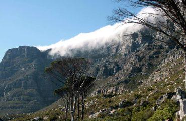 CPT-Tafelberg-en-Duivelspiek-wolke