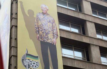 JNB Mandela bannier gebouw